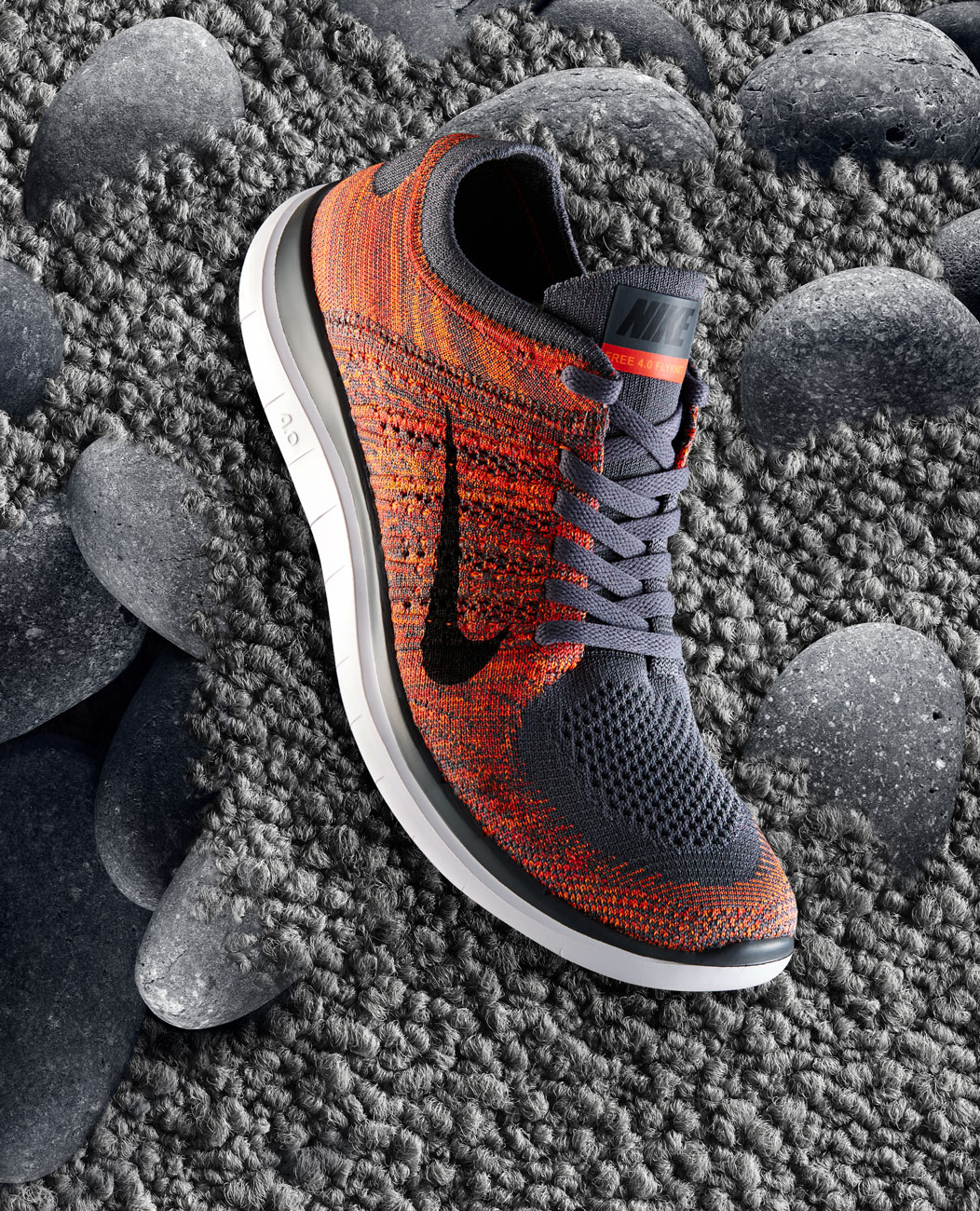 Nike-FlyKnit-Shoes-red